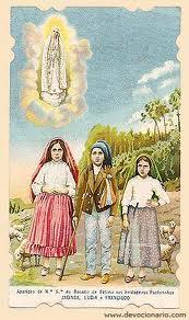 Virgen de Fátima con los tres pastorcillos