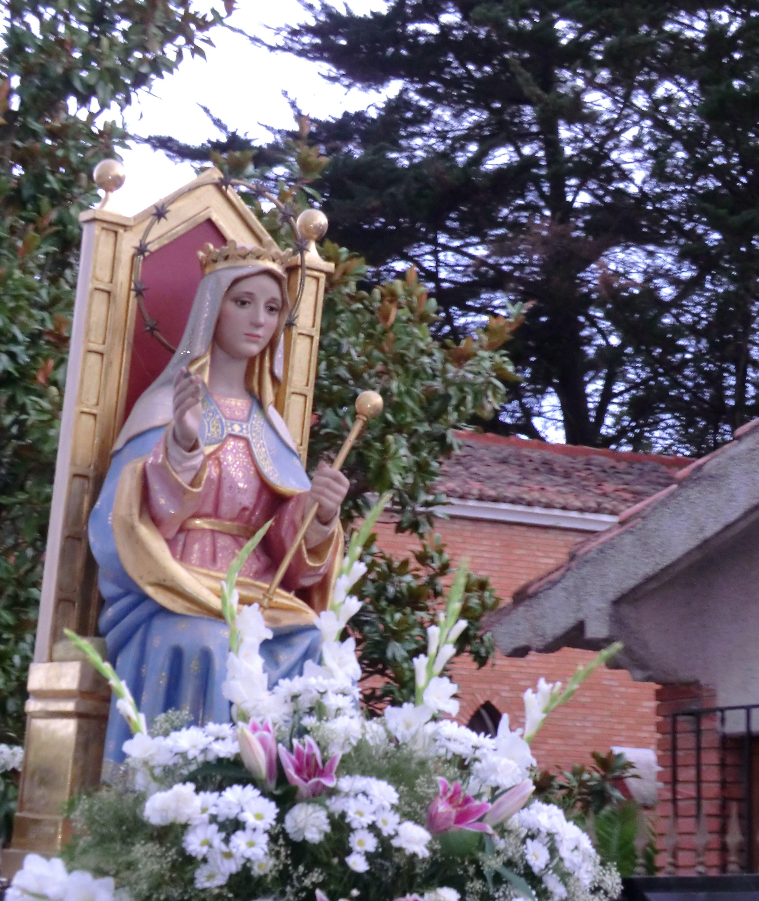 Procesión Virgen Reina
