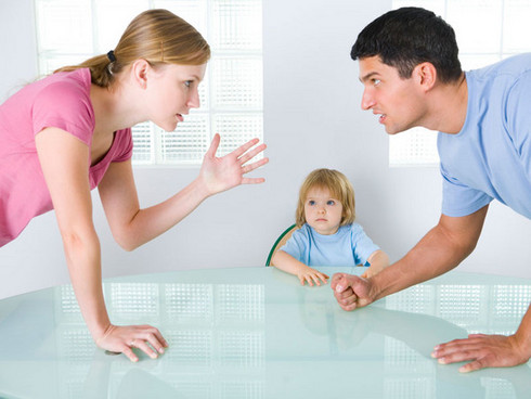 España registró en 2013 la cifra más alta de divorcios desde 2008. El promedio de duración de un matrimonio es de 15,3 años.